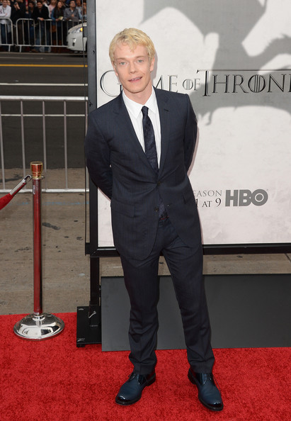 More Pics of Alfie Allen Men's Suit (5 of 7) - Alfie Allen Lookbook - StyleBistro