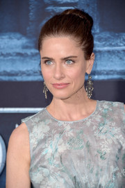 Amanda Peet went for classic styling with this bun when she attended the 'Game of Thrones' season 6 premiere.