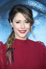 Amanda Crew sported a fairytale braid at the premiere of 'Game of Thrones' season 7.