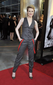 Evan looked chic in a fitted charcoal vest for the 'True Blood' season 4 premiere.