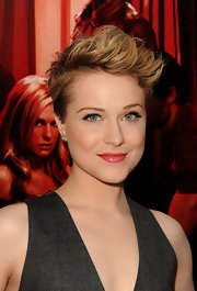 Evan debuted a sexy pixie cut with a rough edge for the 'True Blood' premiere.