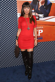 Sandra Vidal chose a fitted red frock for her sexy and sleek look at the 'Veep' season 2 premiere.
