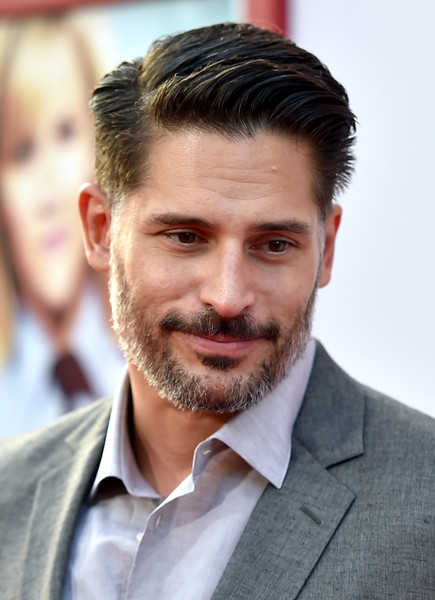 Joe Manganiello looked very well groomed with his gelled, side-parted hairstyle at the premiere of 'Hot Pursuit.'