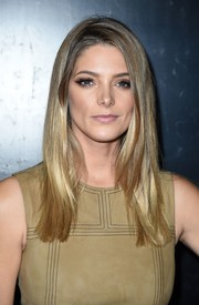 Ashley Greene framed her gorgeous face with this stylish straight cut for the premiere of 'Voyage of Time: The IMAX Experience.'