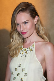 Kate Bosworth wore her hair in long textured waves at the premiere of 'Life Happens.'