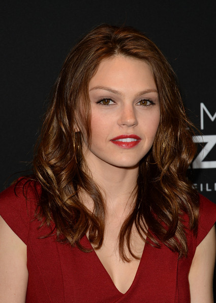 More Pics of Aimee Teegarden Red Lipstick (1 of 9) - Red Lipstick Lookbook - StyleBistro