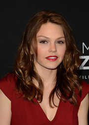 Aimee Teegarden's rouge lip had a touch of retro glam at the red carpet for 'Call Me Crazy.'