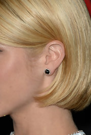 Brittany Snow chose to keep her jewelry simple and elegant on the red carpet when she chose tiny diamond studs.