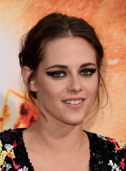 Kristen Stewart rocked a super smoky cat eye at the premiere of 'American Ultra.'