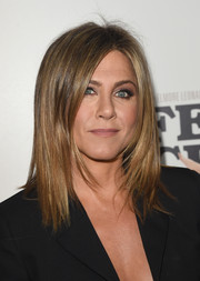 Jennifer Aniston looked very trendy (as always) wearing this perfect layered cut at the 'Life of Crime' premiere.