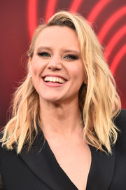 Kate McKinnon looked edgy-chic with her messy waves at the premiere of 'The Spy Who Dumped Me.'