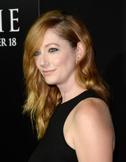 Judy Greer wore her hair down with sexy waves when she attended the premiere of 'Carrie.'