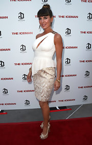 Sandra Vidal looked hot at the 'Iceman' premiere in her slashed white one-shoulder peplum top.