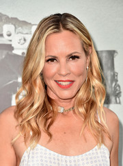 Maria Bello looked ultra feminine with her wavy hairstyle at the premiere of 'Lights Out.'