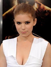 Kate Mara pinned her hair back in a bun which was a great way to show off her features.