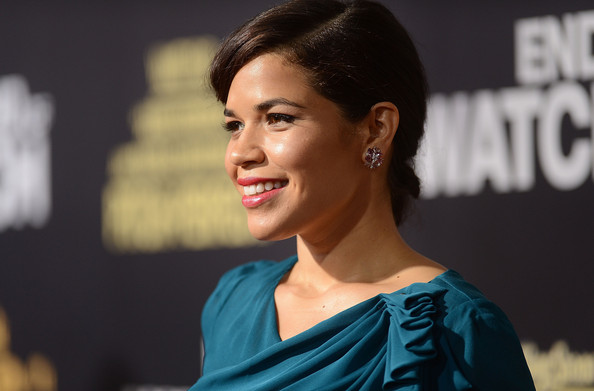 More Pics of America Ferrera Hard Case Clutch (1 of 30) - America Ferrera Lookbook - StyleBistro