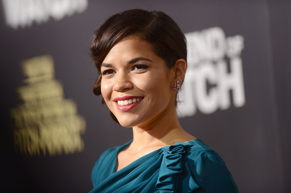 More Pics of America Ferrera Hard Case Clutch (4 of 30) - America Ferrera Lookbook - StyleBistro