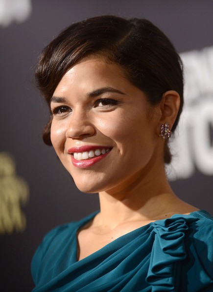 More Pics of America Ferrera Hard Case Clutch (2 of 30) - America Ferrera Lookbook - StyleBistro