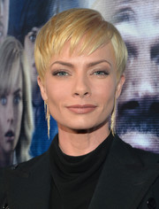 Jaime Pressly rocked a textured short 'do at the premiere of 'A Haunted House 2.'