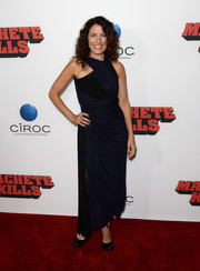 Lisa Edelstein went for a modern vibe in a blue and black halter dress during the 'Machete Kills' premiere.