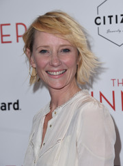 Anne Heche looked adorable with her anime-inspired 'do at the premiere of 'The Dinner.'