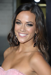 Jana Kramer rocked super smoky eyes at the 'Footloose' premiere. Her dramatic look was achieved by using shades of black, brown, plum, taupe and soft shimmery pink shadows.