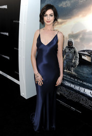 Anne Hathaway looked sensual in a midnight-blue Richard Nicoll slip dress during the 'Interstellar' premiere.