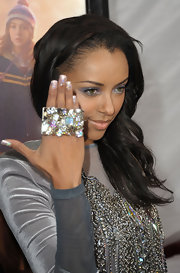 Katerina added major bling to her look with a sparkling four finger ring.
