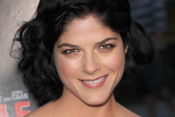 Selma Blair's Easy to Manage Curly Hairstyle