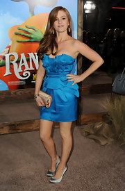 Isla Fisher dazzled at the 'Rango' premiere in silver satin Double Platform pumps.