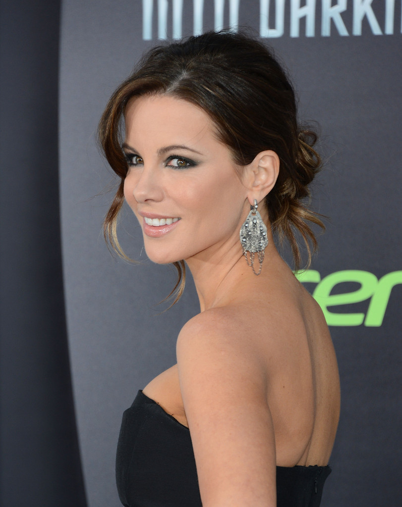 Kate+Beckinsale in Premiere Of Paramount Pictures'