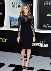 Sarah Chalke's lovely black dress featured embroidered long sleeves and an elegant bust detail.