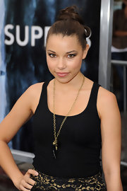 Jessica Parker Kennedy wore her hair in a high updo with a few loose curls at the premiere of 'Super 8.'