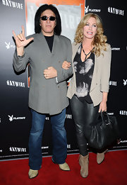 Shannon Tweed perfected relaxed red carpet glamor in a gray boyfriend blazer and leather pants.