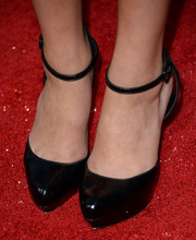 Bailee Madison went to the premiere of 'Romeo and Juliet' wearing stylish black ankle-strap pumps.