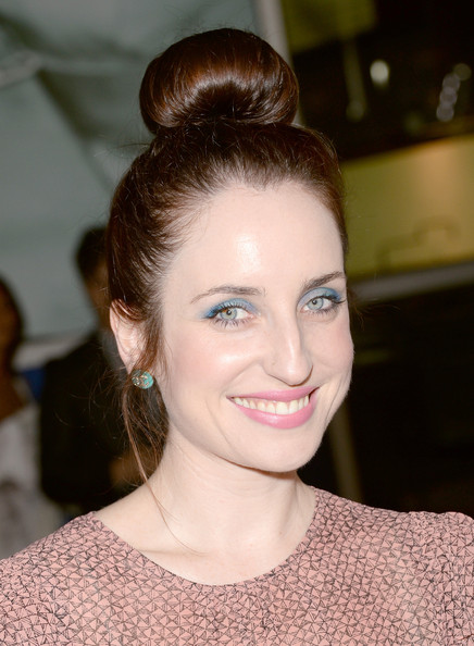 Zoe Lister Jones turned heads at the 'Thanks for Sharing' premiere with this fun-looking top bun.