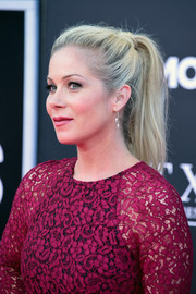 Christina Applegate worked an edgy ponytail at the premiere of 'Bad Moms.'