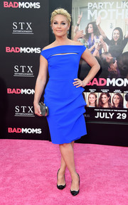 Elisabeth Rohm donned an electric-blue off-the-shoulder dress with a slashed yoke for the premiere of 'Bad Moms.'