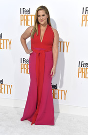 Amy Schumer wowed in a red and fuchsia gown by Brandon Maxwell at the premiere of 'I Feel Pretty.' That's a gorgeous color combo!