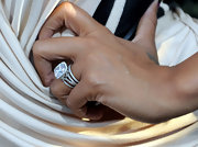 La La showed off her sparkling wedding ring while attending the premiere of 'Takers'.