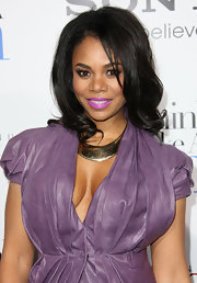 Regina Hall wore a gold solid collar necklace at the premiere of 'Think Like a Man.'