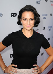 Jenny Slate accessorized with some gold bangles at the FX Network screenings.