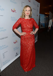 Julie Delpy looked simply lovely in this crimson red lace gown.