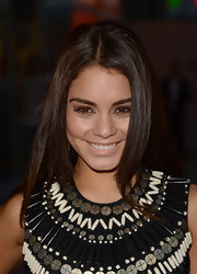Vanessa Hudgens kept her red carpet hair minimal and natural with this long layered cut.