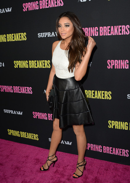 More Pics of Shay Mitchell Strappy Sandals (1 of 16) - Shay Mitchell Lookbook - StyleBistro