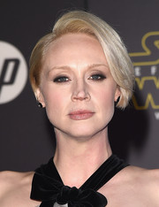 Gwendoline Christie opted for a simple side-parted 'do when she attended the 'Star Wars: The Force Awakens' premiere.