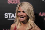 Kristin Chenoweth looked chic with her gently wavy layered cut at the premiere of 'American Gods.'