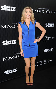 Viva Bianca was a sporty babe in this zip-up scuba dress for the 'Magic City' premiere.