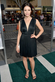 Abigail Spencer looked divine in a Grecian-style little black dress with a deep-V neckline during the premiere of 'Draft Day.'