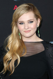 Abigail Breslin looked downright lovely with her wavy side sweep during the Hollywood premiere of 'Ender's Game.'